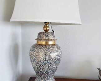 incredible Asian ginger jar lamp