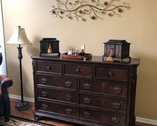9-Drawer chest or dresser.