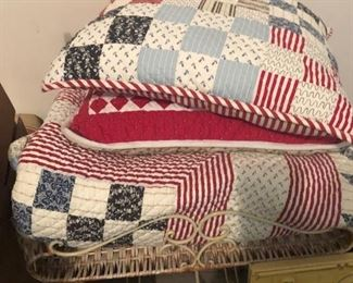 quilts, bench, pillow