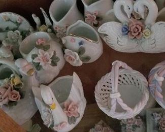 Mostly Porcelain Vases/Baskets https://ctbids.com/#!/description/share/216017