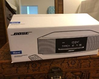 Bose Wave Radio - New in the box !