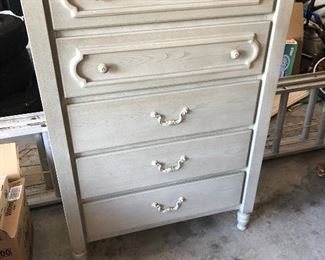5 drawer tall dresser https://ctbids.com/#!/description/share/214230
