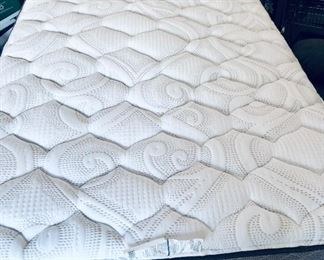 Mattress - full https://ctbids.com/#!/description/share/214254