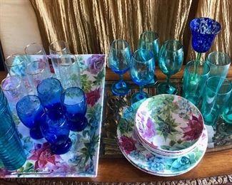 Serving Tray and Assorted Glassware https://ctbids.com/#!/description/share/214250