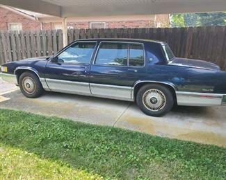 001 Cadillac Sedan de Ville