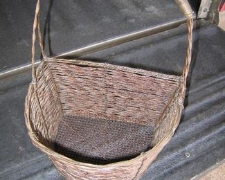 Barbed wire baskets