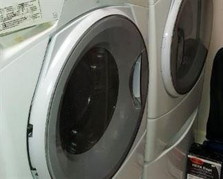 Whirlpool Washer & Dryer with Pedestal Drawer Storage