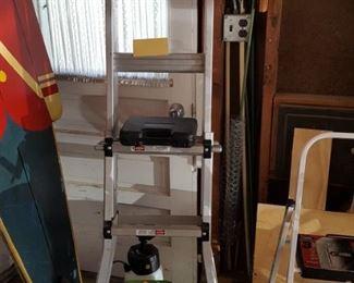 Aluminum Adjustable Ladder.