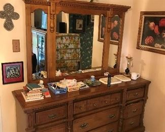 solid wood dresser w/mirror