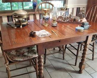 Drop Leaf Turned Legs Table Decorative Items