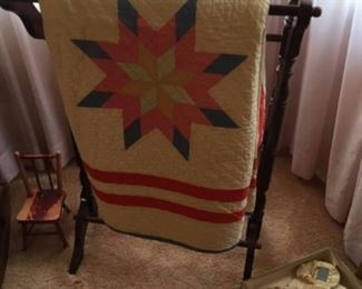 gorgeous quilt in excellent condition
