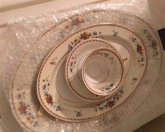H & C selb bavaria china service for 12