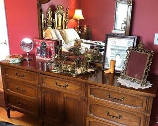 Vintage queen bedroom set