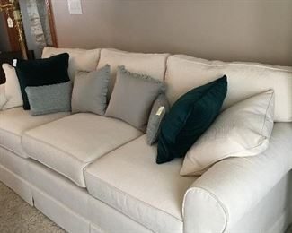 Super clean and nice 3 cushion divan