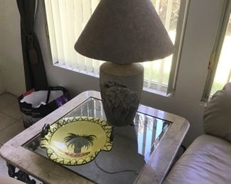 Lamp table with elephant motif ceramic lamp
