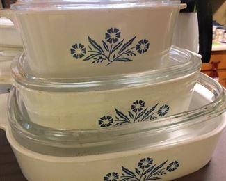 Great set of Corningware!
