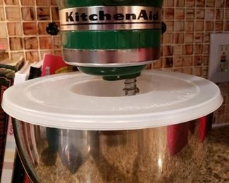 Kitchen Aid Artisan Model 4.5qt bowl w/4 blades (whip, dough hook, mixing blade and silicone blade.)