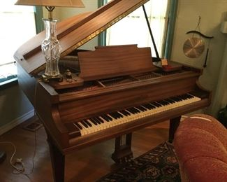 Chickering, 97 years old in perfect condition, baby grand