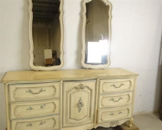 Bedroom Chest of Drawers with Mirrors