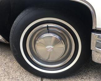 2801 Cadillac Hubcapmin