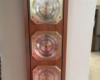 2801 Bulova Barometermin