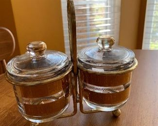 Condiment set in carrier