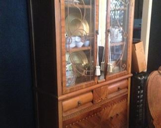 Art Deco Glass Front and Mirrored Center China Cabinet. Excellent Condition.  Tiger Cute Oak, with inlay and carved veneer detail inside doors, all in great condition.