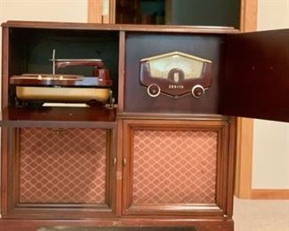 ZENITH Mid-Century Stereo w/Cobra-Matic Phonograph. Mint.