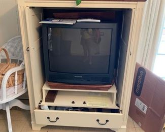 #2Cream w/Wood Top Entr. Center w/2 doors and 1 drawer  42x23x54 $65.00