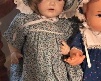 J.D.K Kestner German porcelain doll in excellent condition. Hilda doll #237 circa 1910-1920