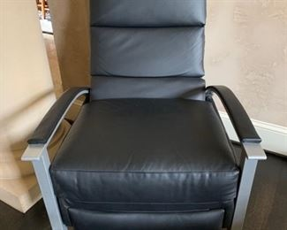 Leather Craft crypton black leather recliner (new)