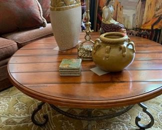 Century Town and Country coffee table 40 inch round