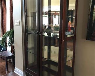 Glass Cabinet side