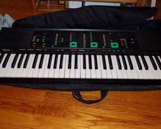 Yamaha  Keyboard with  fabric carrying Case