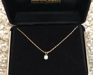 14 karat gold necklace with diamond
