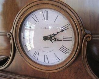 Howard Miller Hampton Quartz Mantel Clock.