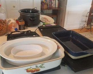 Large warming trays, casserole dishes