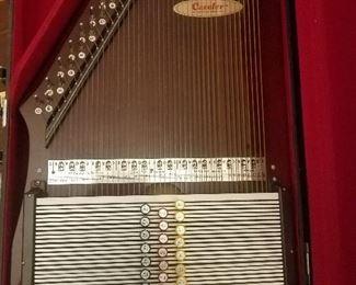 Rare 28 Chord AutoHarp  RBI Caroler