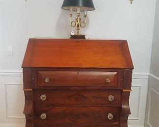 Magestic Standing Clerk Desk Walnut Brass Horn Lamp