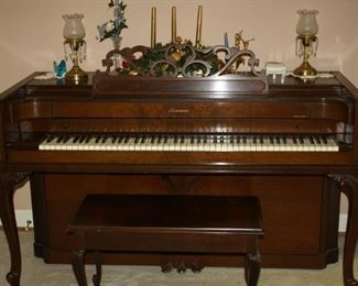 Very nice Baldwin Acrosonic Console Piano with Bench.  Great Condition