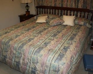 King size bed with Mattress and Box