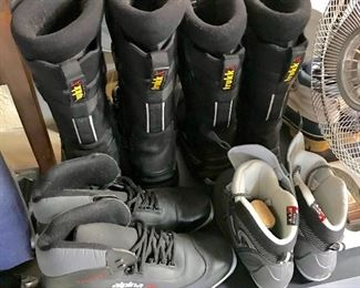 Ski boots, snow mobile boots