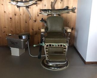 barber chair pristine shape