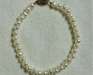 Pearl Bracelet w/14 k Clasp