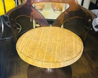 1960s Mid-Century Modern Atomic Chair in Lucite