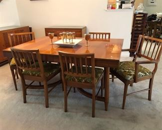 Mid-century modern dining room table with 6 chairs, leafs and table pads!