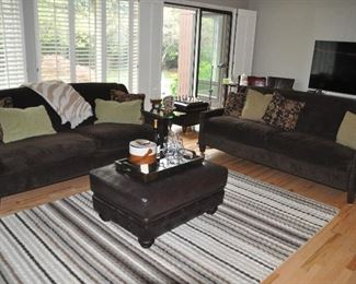 Another view of the comfortable family room!