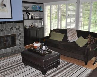 Warm and comfy Family Room!