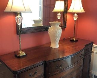 SIDEBOARD - MATCHES DINING TABLE AND CHINA HUTCH - EXCELLENT CONDITION, BUFFET LAMPS, LARGE MIRROR AND LENOX VASE