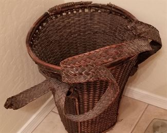 Artful waste basket